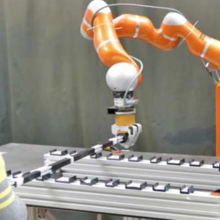 Shared Control for Human-Robot Cooperative Manipulation Tasks